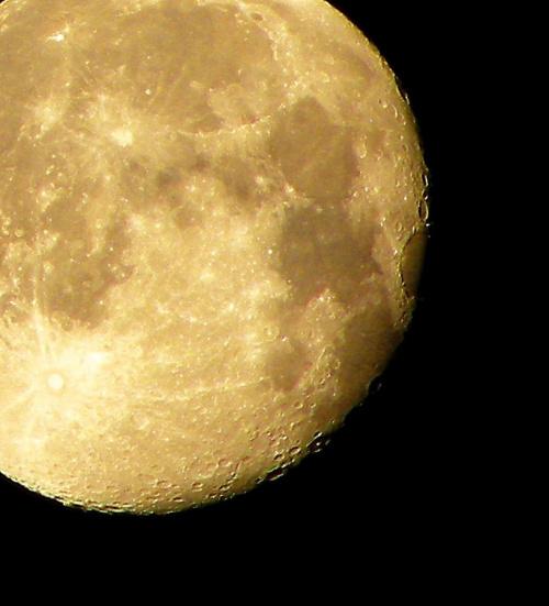 Nasz księżyc .